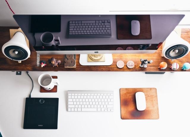 Computer blogging parent desk